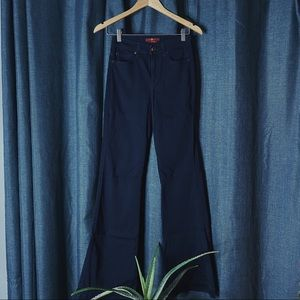 🌻MOVING SALE🌻 7 For All Mankind Flared Jeans